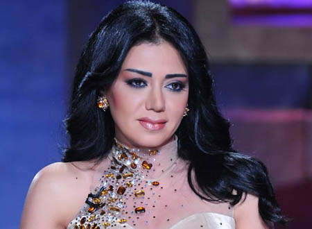 رانيا يوسف تفاجئ جمهورها بصورتها وهي طفلة رضيعة.. شاهد