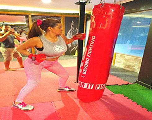 """بالفيديو : سما المصري تستعد لمواجهة """"المتحرشين"""" بالتدريب على لعبة""""كيك بوكس"""""""