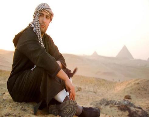 بالصور: الممثل المصري أحمد السقا يرتدي النقاب