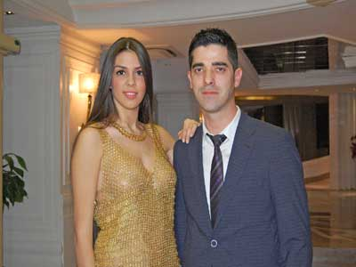 فستان من الذهب الخالص بتكلفة 130 ألف دولار!