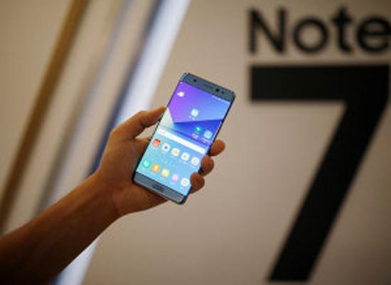 بعد منع اصطحابه على الطائرات.. Samsung تضع أكشاكاً في المطارات لتبديل هاتف Note 7 بآخر