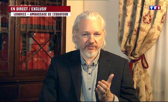 """الشرطة البريطانية: اعتقال مؤسس """"ويكيليكس"""" (فيديو)"""