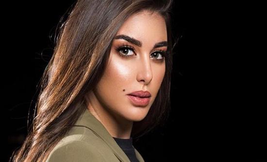 ياسمن صبري تبهر متابعيها بإطلالة جذابة (صورة)