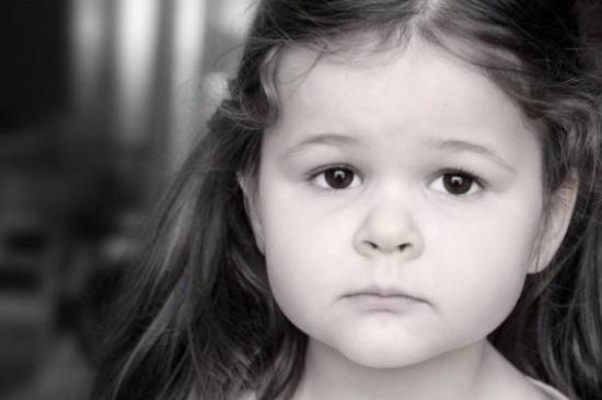 وجدت طفلها مغطى بالجروح والأطباء رفضوا لمسه... إعرفي السبب لتحمي أطفالك من هذا الخطأ!