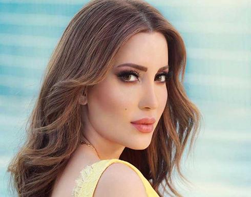 نسرين طافش تتباهى برشاقتها ونحافة خصرها أمام الجمهور.. شاهد