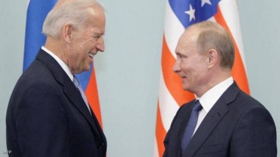 """بايدن يصف بوتن """"بالقاتل"""".. ويتوعده بـ""""دفع الثمن"""""""