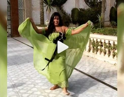 """شاهد.. فيفي عبده في وصلة رقص جديدة: """"دلعني دلع"""""""