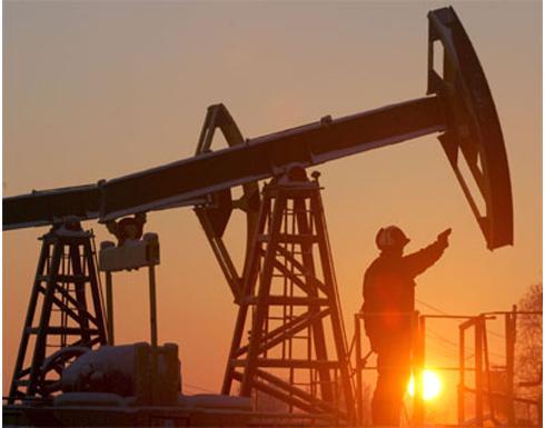 النفط يبدأ التعافي من «كبوة الخميس»