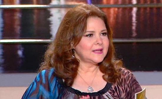 الصحة المصرية: دلال عبدالعزيز تحتاج جرعات أكسجين عالية