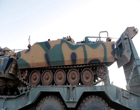 الجيش التركي يعزز نقاط مراقبته في إدلب بمدافع ودبابات