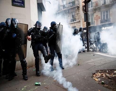 """مواجهات عنيفة في فرنسا بين الشرطة ومحتجين ضد مشروع قانون """"الأمن الشامل"""" .. بالفيديو"""