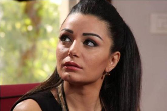 الفنانة السورية ديمة الجندي تحتفل بعيد ميلادها الـ40.. شاهد