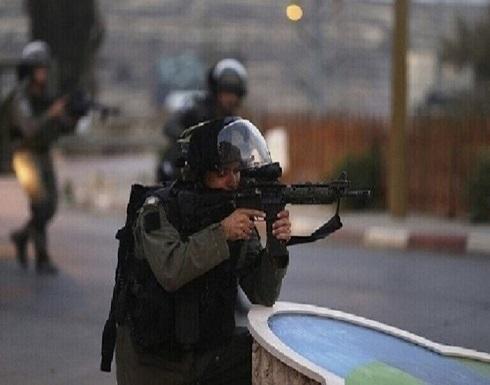 إصابة طفل فلسطيني برصاص إسرائيلي وعائلته تطلب مساعدة لعلاجه .. بالفيديو