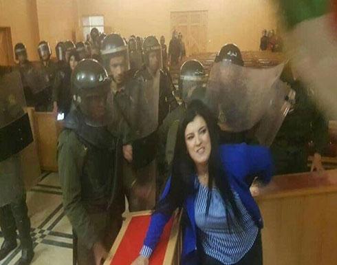 شاهد  : اقتحام قوات التدخل مكاتب القضاة في الجزائر