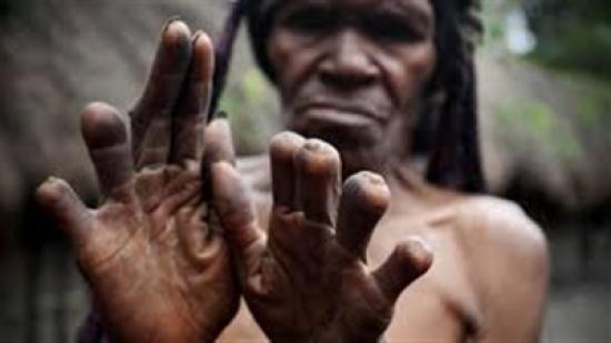 منها حظر دخول الحمام وقطع الأصابع.. أغرب 5 عادات حول العالم