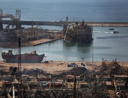 لبنان يجمد حسابات مسؤولين على علاقة بانفجار المرفأ