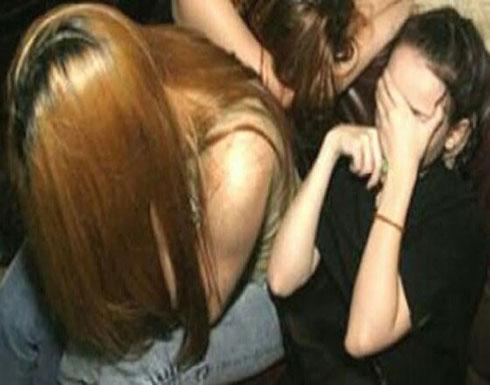 مصر : كشف تفاصيل اتهام مدير بنك لامرأة وابنتهما بإجباره على ممارسة الرذيلة معها