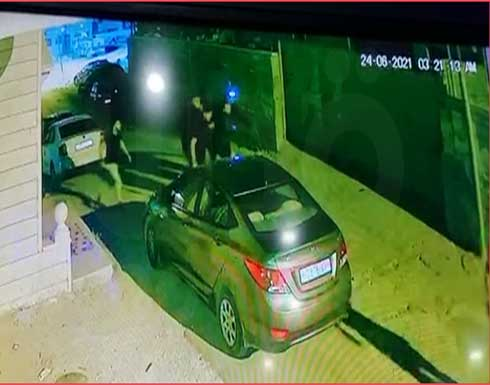 شاهد : تسجيل جديد لكاميرات المراقبة خلال اعتقال نزار بنات