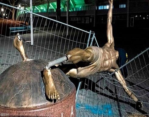 """في مسقط رأسه.. عرفوا """"حقيقة إبراهيموفيتش"""" فانتقموا من تمثاله"""