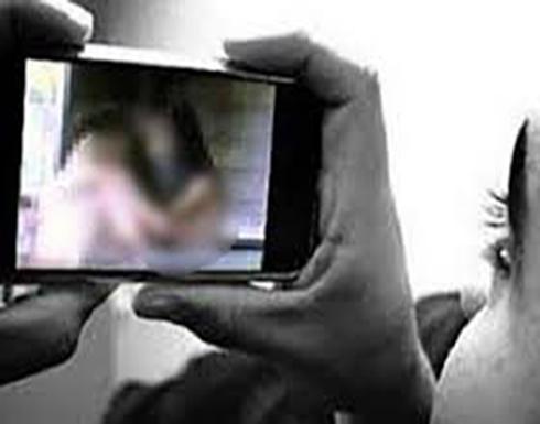 شاب مصري هدد خطيبته السابقة بنشر صورها معه بأوضاع مخلة