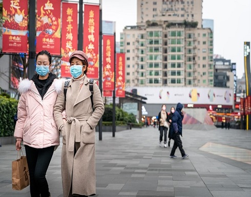 """شاهد : الحياة تعود """"بحذر"""" إلى شوارع """"ووهان"""" الصينية"""