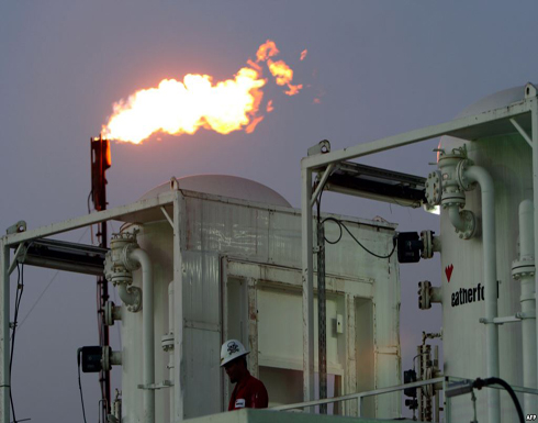 """""""بلومبرغ"""": النفط مستقر بعد تقرير """"أرامكو"""" المالي"""