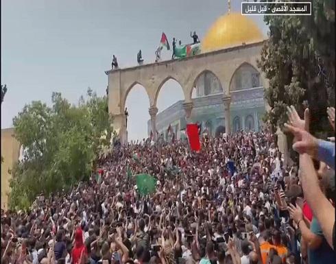 """بالفيديو : هكذا احتفل المصلون في المسجد الأقصى بـ""""انتصار"""" المقاومة"""