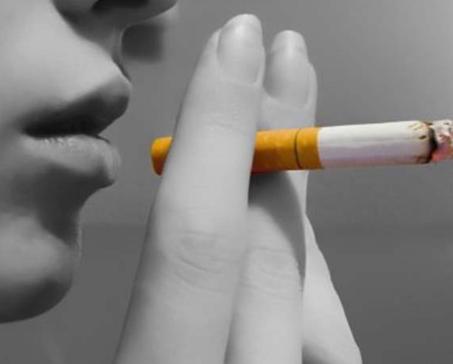 قانون جديد.. حظر بيع السجائر لأي شخص يقل عمره عن 100!