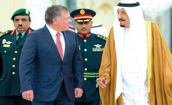 الملك عبدالله يتلقى اتصالاً من الملك سلمان ... لبحث العلاقات بين البلدين