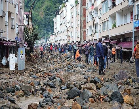 شاهد : مصرع 4 أشخاص و إنقاذ 157 بسيول وانهيارات أرضية في تركيا