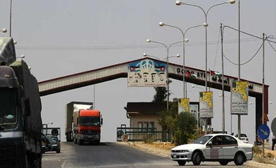 انفجار شاحنة تقل بضائع في معبر نصيب الحدودي مع الأردن جنوب سوريا