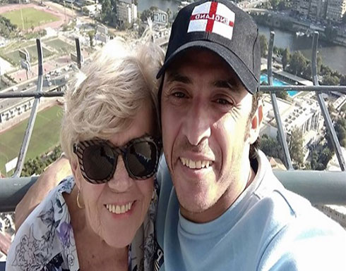 الشاب المصري بعد الزواج من المسنة البريطانية : حب الوطن يغلب على العيش مع زوجتى