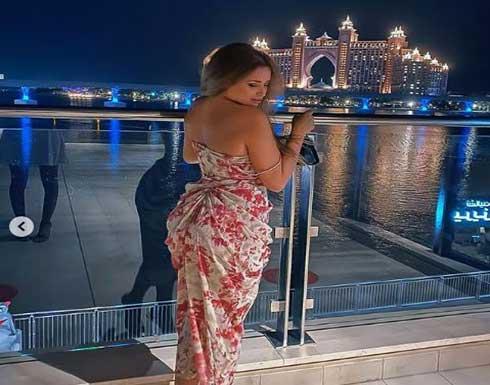 الممثلة إيمان العميري بفستان كناري خادش تضج انوثة .. شاهد