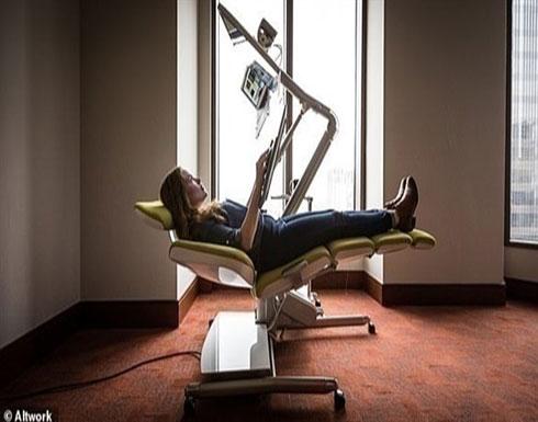كرسي مكتبي يتحول لسرير بكبسة زر