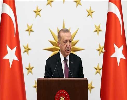 """أردوغان يشيد بإنجازات حكومات """"العدالة والتنمية"""" خلال 19 عامًا"""