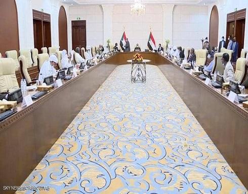 """أزمة الحكومة السودانية.. تحديات ضخمة قبل """"الموعد المرتقب"""""""