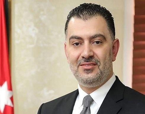 وزير العمل يعلن عن دوام وأجور العاملين في القطاع الخاص بالمناطق التي يتقرر عزلها