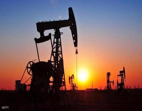 بسبب مخاوف كورونا.. أسعار النفط تغلق على تباين
