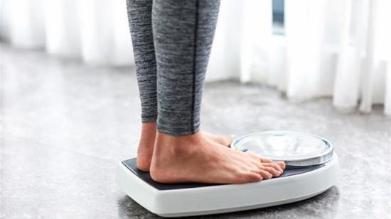 ثلاث إشارات جسدية تظهر أنكم خسرتم الوزن أكثر من اللازم!