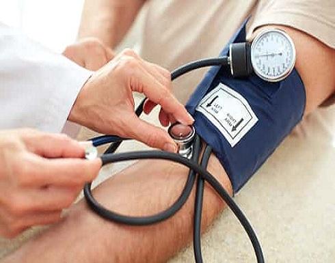 ارتفاع ضغط الدم بمنتصف العمر يسبب الإصابة بالخرف