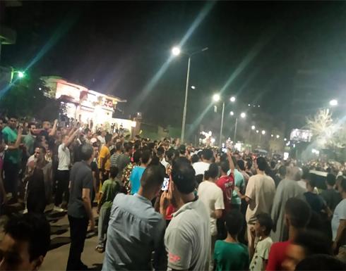 شاهد : مقتل مصري على يد الشرطة يشعل احتجاجات بمحافظة الجيزة