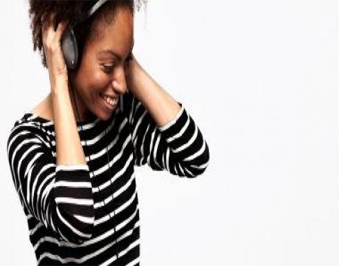 سماعات الأذن قد تصيبك بمجموعة من الأضرار.. منها طنين الاذن