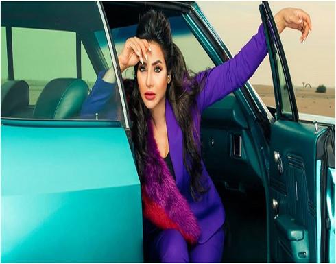 لجين عمران بفستان مثير تتلقى أحلى عيدية من صديقتها زينة زكي.. بالفيديو