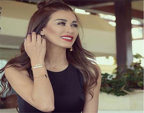 نادين الراسي تستمتع بالشمس مع خطيبها (صورة)