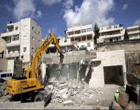 الاحتلال يهدم منزلا بالقدس ويعتقل فلسطينيين بالضفة