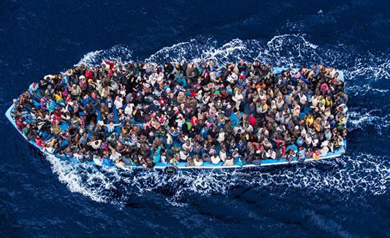إيطاليا تفاجئ مئات المهاجرين.. الموانئ مغلقة