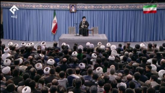 """الانتخابات الرئاسية الإيرانية.. خامنئي والحكومة """"الثورية الفتية"""""""