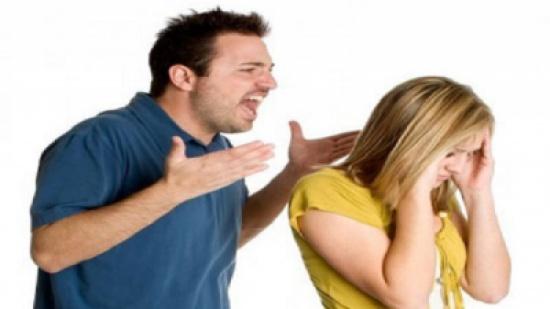 الزوجة المسكينة: رفضت أن أكون ساقطة فطلقني زوجي