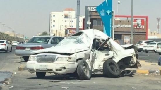 كاميرا توثق مقتل قائد سيارة تسير بسرعة جنونية (فيديو)