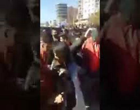 بالفيديو : الجزائر الطلبة يغادرون مقاعد الدراسة و ينظمون مسيرة ضخمة